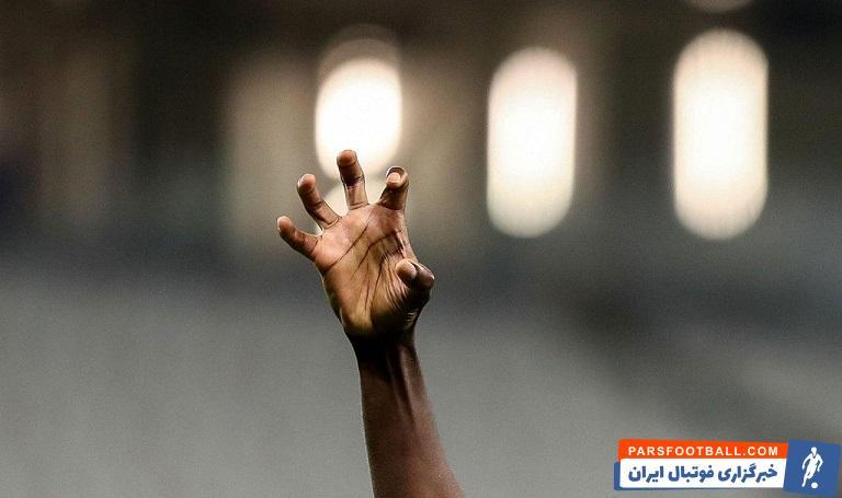 هر زمانی که تصاویر تلویزیونی تصویر شیخ دیاباته با پنجه های فشرده را نشان دادند، یعنی حال استقلال خوب بوده است.