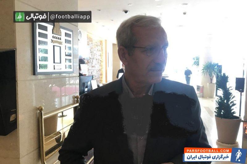 هوشنگ نصیرزاده مدیرعامل سابق ماشین سازی جدیدترین چهرهای بود که به هتل آزادی آمد و وی دقایقی قبل وارد هتل شد.