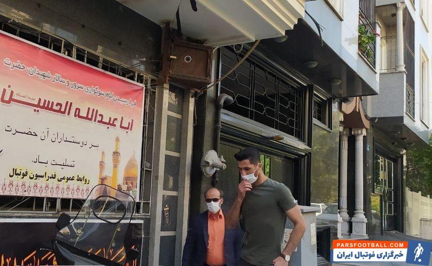رشید مظاهری ، دروازهبان تراکتور تبریز به استقلال، مسئولان تیم تبریزی این انتقال را غیرقانونی دانسته و علیه مظاهری شکایت کردند.