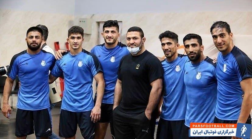 رضا یزدانى قرارداد خود را با استقلال به ثبت رساند تا علاوه بر قرار گرفتن تیم تحت هدایتش در قالب یکى از مدعیان اصلى، بر جذابیت افزوده شود.