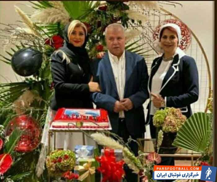 علی پروین ، اسطوره فوتبال پرسپولیس و تیمملی ایران، ۷۴ ساله شد و بههمین مناسبت جشنی در حضور دوستان و همبازیان قدیمی او برگزار شد.