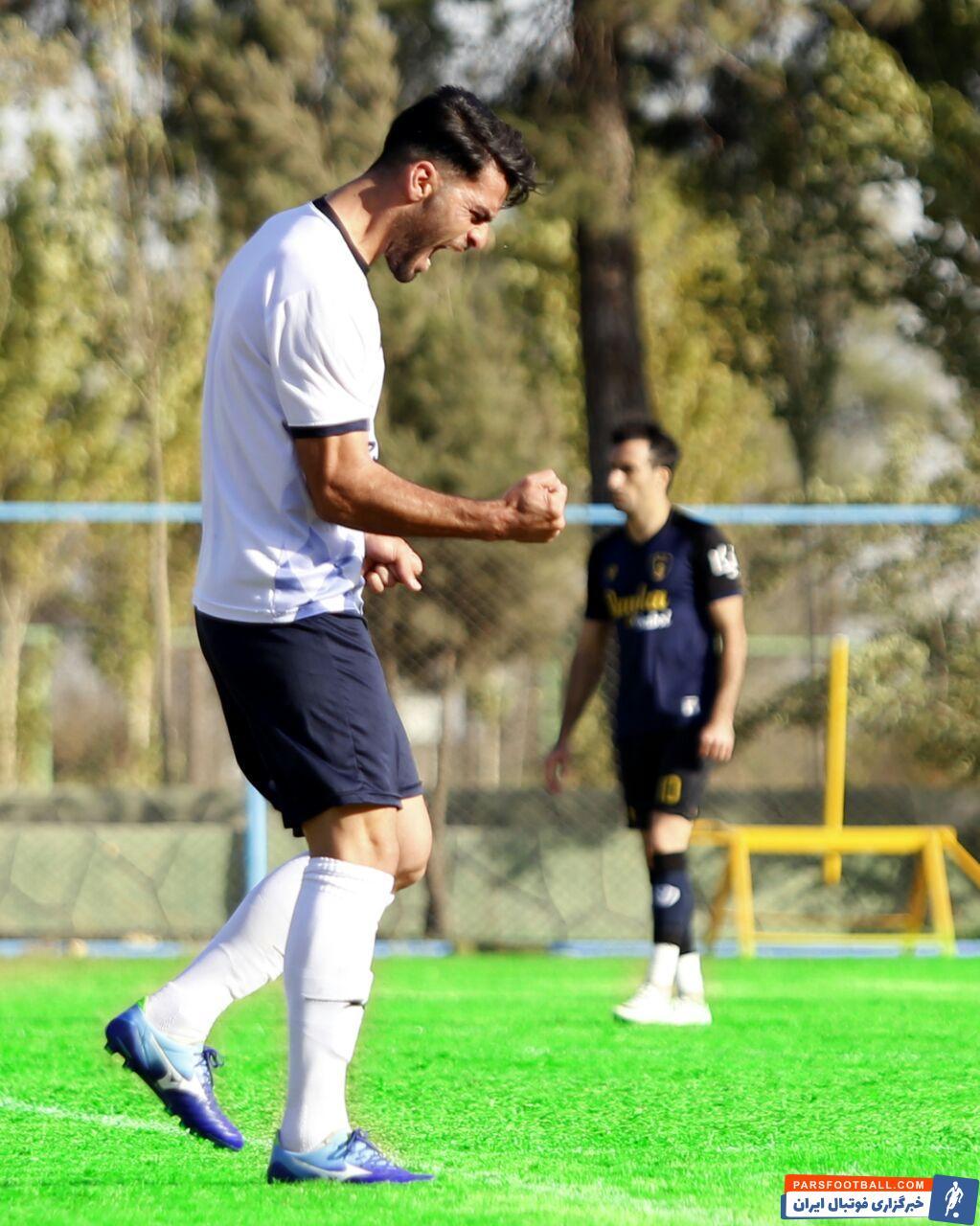 علیرضا علیزاده در دیدار دوستانه تیمش مقابل رایکا بابل توانست برای تیمش گلزنی کند و شادی ویژهای را پس از گل خود انجام داد.