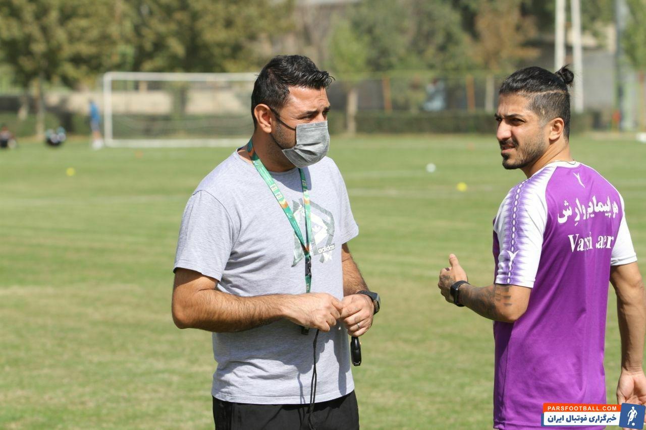 محمود قائدرحمتی و حسن نجفی بازیکن فصل گذشته شاهین بوشهر در تمرینات دیروز نساجی حاضر شدند و با این تیم تمرین کردند.