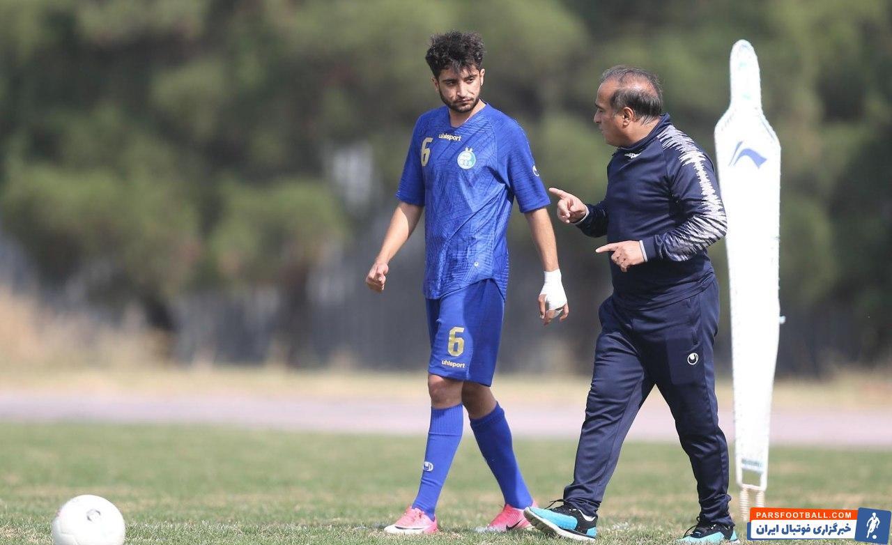 طی روزهای گذشته متین کریمزاده مدافع جدید آبی ها در تمرینات و مسابقات این تیم، پیراهن شماره 6 را برتن کرد و این مساله موجب حواشی شده است.