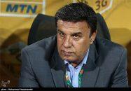 پرویز مظلومی بدون توجه به قراردادی که با فدراسیون فوتبال ایران برای هدایت تیم ملی جوانان داشت ، سمت سرپرستی باشگاه استقلال را قبول کرد.