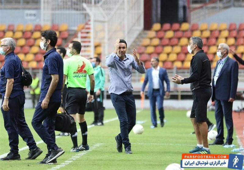 واکنش جنجالی جواد نکونام به یک صحنه مشکوک ، در بازی فولاد خوزستان و استقلال