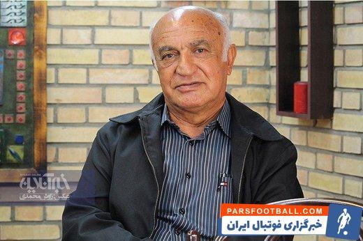 ناصر ابراهیمی ، مربی پیشین پرسپولیس درباره انتخاب مدیرعامل جدید پرسپولیس گفت : از سمیعی شناخت ندارم ، اما امیدوارم مشکلات اقتصادی را حل کند