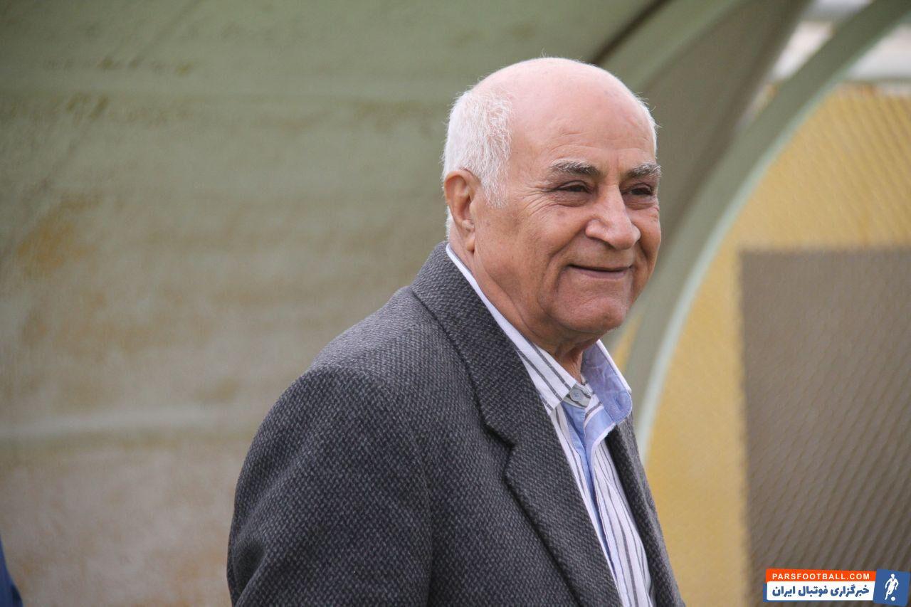 محمود یاوری پیشکسوت فوتبال ایران و یکی از سرمربیان پیشین تیم ملی دیروز در سن هشتاد و یک سالگی در بیمارستان الزهرا اصفهان دار فانی را وداع گفت .