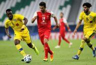 احسان پهلوان ، ستاره پرسپولیس ، امروز در بازی پرسپولیس و نفت در برابر مجتبی حسینی ، سرمربی پیشین خود در تیم ذوب آهن قرار می گیرد .