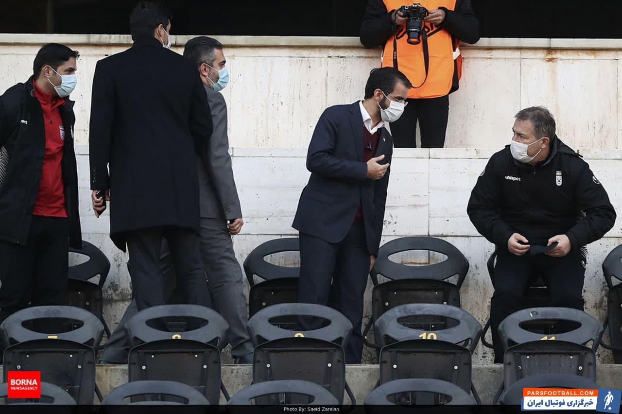 جعفر سمیعی و ابراهیم شکوری که تماشاگر بازی پرسپولیس مقابل شهرخودرو بودند، پیش از شروع مسابقه به قسمت وی آی پی ورزشگاه رفتند.