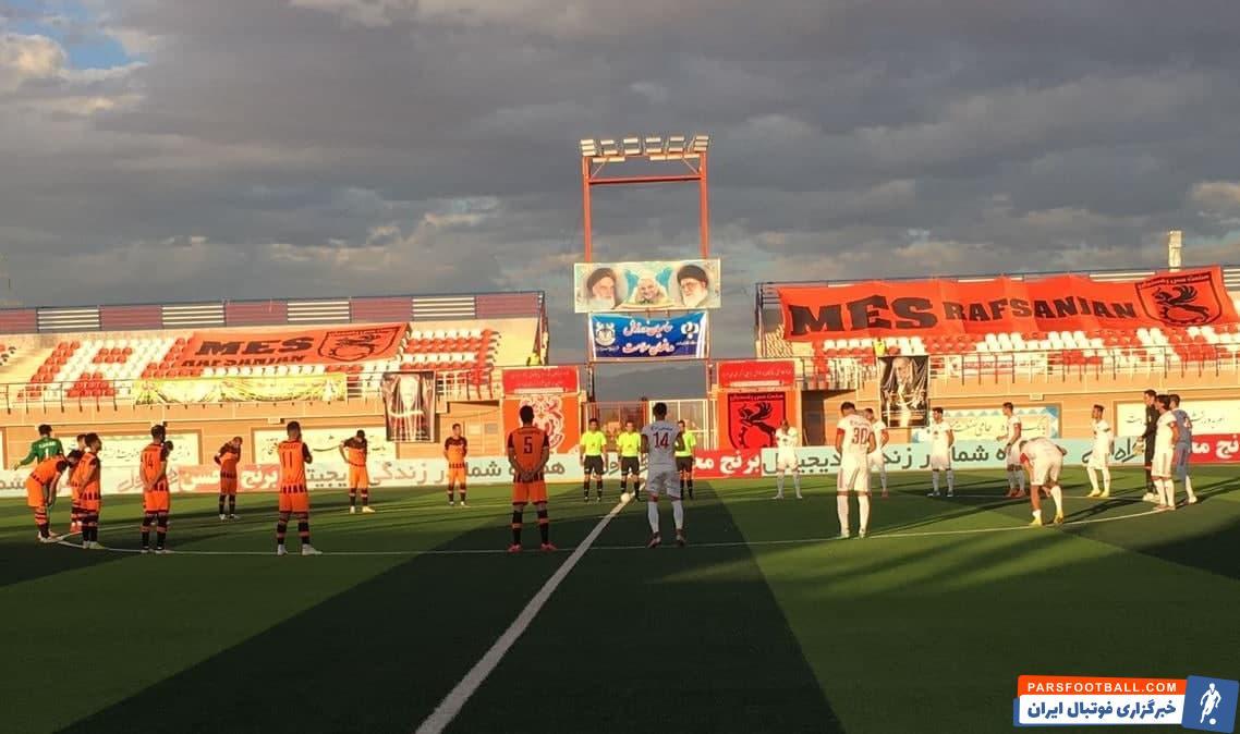 در هفته چهارم لیگ برتر ، تیم تراکتور تبریز در یک بازی زیبا موفق شد تیم مس رفسنجان را با تک گل محمد عباس زاده ، تعویض طلایی علیرضا منصوریان شکست دهد .