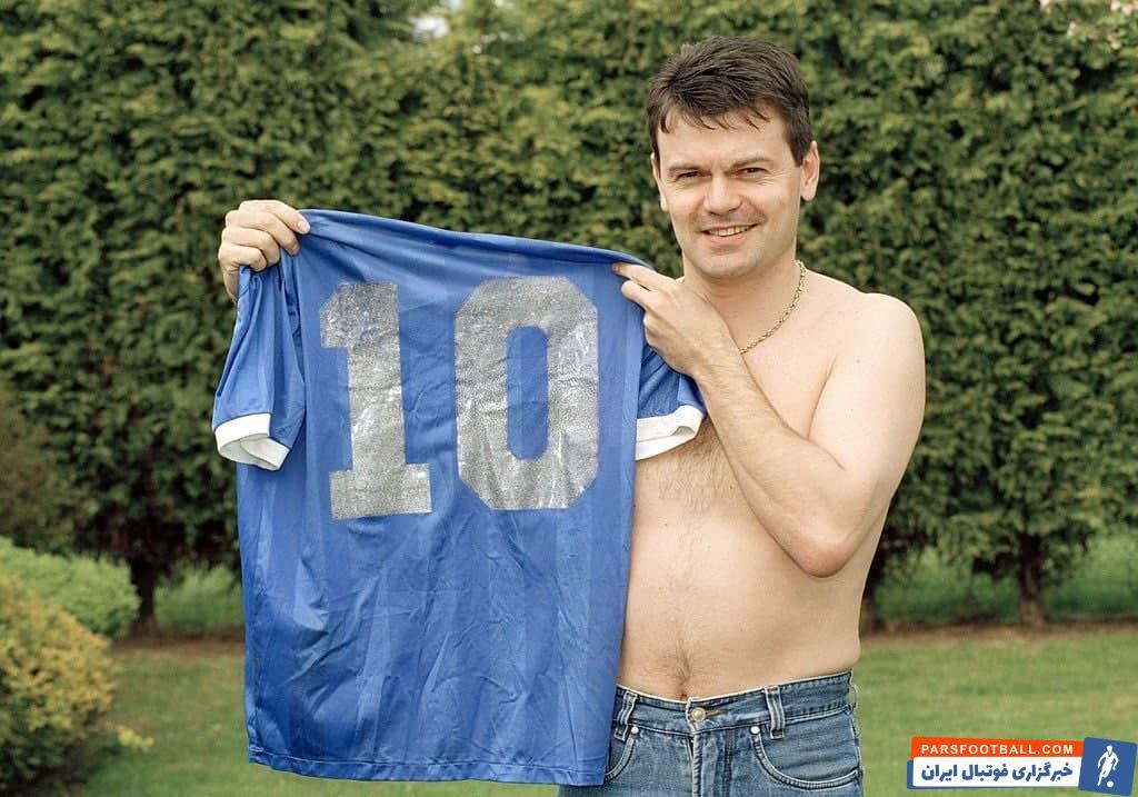 مردی که پیراهن معروف دست خدا مارادونا در سال 1986 را در اختیار دارد، می گوید این پیراهن برای فروش نیست.
