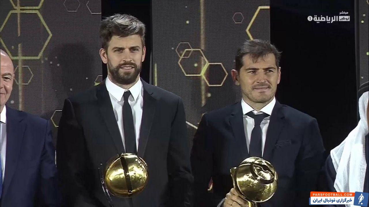 پیکه گفت: رونالدو یک بازیکن کاملا فوق العاده محسوب میشود که کارهای غیر عادی انجام میدهد. با این حال از نظر من  مسی بهترین بازیکن تاریخ است.