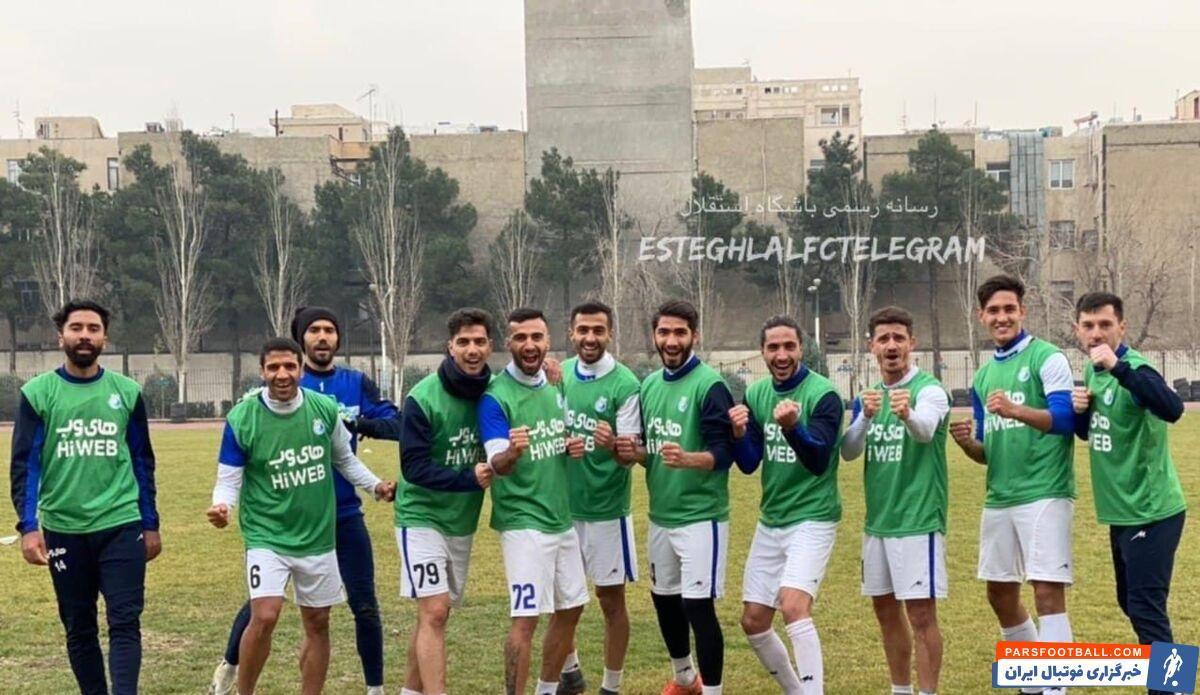 تیم فوتبال استقلال از ساعت ۱۳ در زمین ورزشگاه نفت تهرانسر تمرینات آماده سازی خود را برای بازی با گلگهر سیرجان پیگیری کرد.