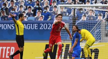شادی گل مهدی عبدی اما فقط یک دقیقه دوام داشت و پرسپولیس در نیمه دوم هم دوباره یک پنالتی مفت داد تا نهایتا تیم کرهای قهرمان آسیا شود.