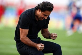 فرهاد مجیدی پیش از حضور در استقلال در تیم بهمن تهران بازی می کرد و در کنار دیگر ستاره های آن تیم مثل محمد نوازی و خداداد عزیزی می درخشید .