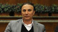 حمید درخشان درباره عملکرد آرمان رمضانی در بازی با شهرخودرو گفت : از ابتدا هم خرید این بازیکن اشتباه بود ، رمضانی در اکثر صحنه ها مبتدیانه عمل کرد .