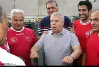 علی پروین ، اسطوره باشگاه پرسپولیس ، تولد هشتاد و دو سالگی حشمت مهاجرانی ، سرمربی تیم ملی فوتبال ایران در جام جهانی ۱۹۷۸ آرژانتین را تبریک گفت .
