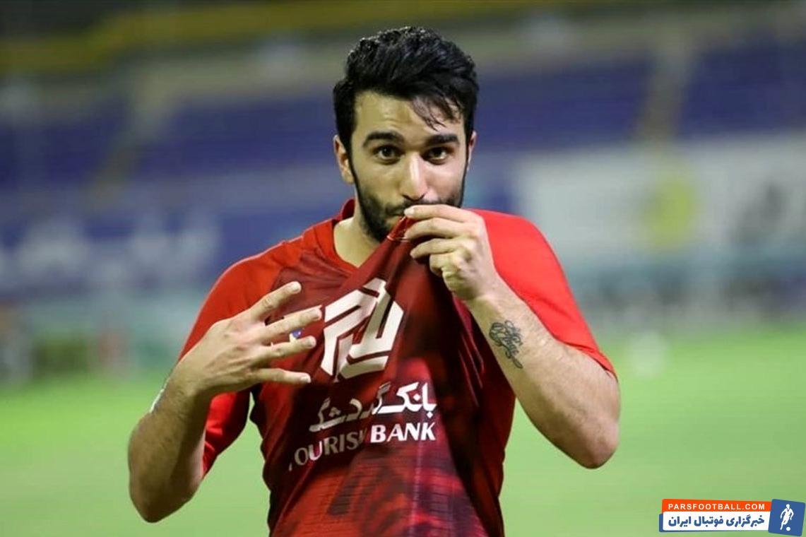 سیامک نعمتی با گلی که به تیم نساجی زد ، تعداد گل های خودش با لباس پرسپولیس در لیگ برتر ایران را به عدد ده رساند و دو رقمی شد .