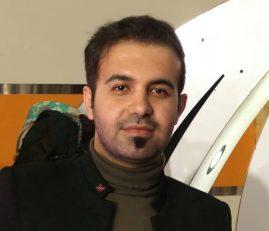 همسر و برادر بهروز خورشیدیان یاسوج ، هوادار پرسپولیس که پس از باخت سرخپوشان در فینال لیگ قهرمانان اسیا سکته کرده بود ، مصاحبه ای را با برنامه فرمول یک انجام دادند.