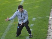سیروس متکلمی ، مربی ایرانی است که در تیم کارلسروهه در فوتبال آلمان کار می کند . متکلمی پس از الکس نوری و بابک کیهان فر ، سومین مربی ایرانی شاغل در بوندسلیگا است.