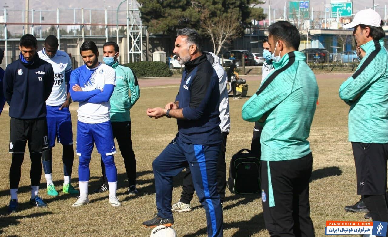 توصیه مهم محمود فکری به بازیکنان استقلال پس از پیروزی شیرین مقابل تراکتور