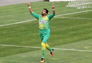 حامد پاکدل ، ستاره گلزن تیم آلومینیوم اراک پس از پیروزی مقابل پرسپولیس گفت : پرسپولیس ، تیم بزرگی است و شکست دادن این تیم باعث افتخار آلومینیوم اراک است.