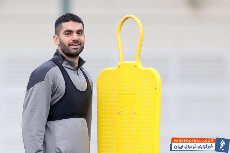 ستاره سابق استقلال برنمی گردد ؛ علی کریمی در راه الدحیل قطر