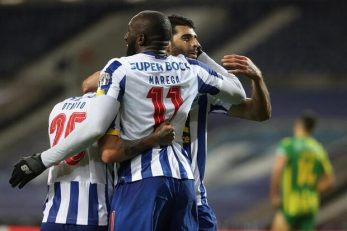 بامداد روز شنبه تیم های بنفیکا پرتغال و پورتو پرتغال در هفته ۱۴ لیگ این کشور به مصاف هم خواهند رفت . در آستانه این دیدار که به کلاسیکو معروف است ، رسانه های پرتغالی به تمجید از مهدی طارمی پرداخته اند