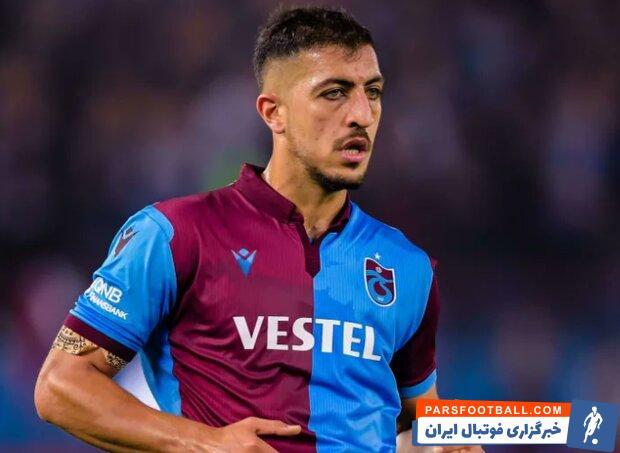 عذرخواهی حسینی از بازیکنان پس از یک اشتباه