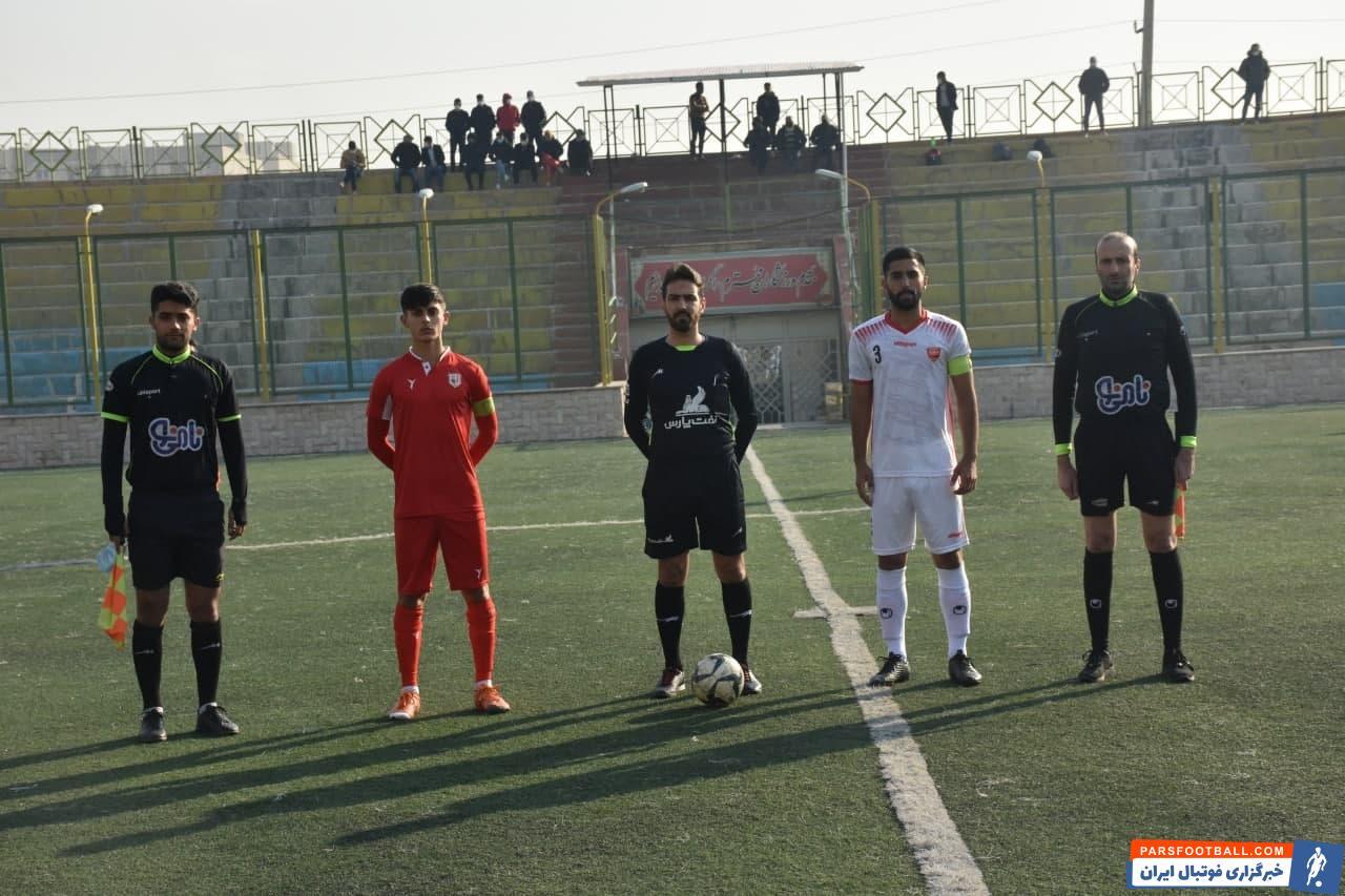 محمد عمری ، مهاجم تیم امید پرسپولیس تا به اینجای فصل در لیگ امید های تهران دو گل زده است و سه پاس گل هم داده است تا از بهترین بازیکنان لیگ باشد.