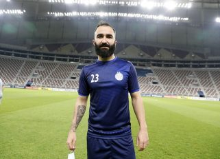 داریوش شجاعیان ، هافبک تیم استقلال در صورتی که در بازی امروز تیمش کارت زرد دریافت کند ، دیدار بعدی تیمش با تیم سپاهان را از دست خواهد داد.