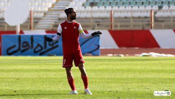 مورد ویژه شجاعی بازیکن-سرمربی، موردی است که در فوتبال ایران هر از چند گاهی شاهد آن بوده ایم. آخرین مورد آن را در تیم تراکتور شاهد هستیم ...
