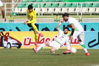 محمد محبی در انتهای فصل با مصدومیتی مواجهه شد که باید زانوی خود را به تیغ جراحان میسپارد؛ با این حال به گفته نویدکیا با اصرار خود با وجود