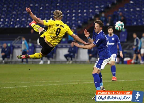 هالند  در جریان نیمه اول بازی دورتموند برابر شالکه روی ارسال جیدون سانچو و با یک ضربه قیچی استثنایی دروازه حریف را باز کرد.