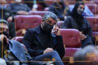 جاری شدن اشک پژمان جمشیدی هنگام پخش شدن کلیپی از علی انصاریان