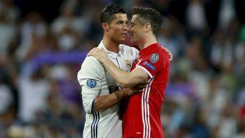 فدراسیون بین المللی تاریخ و آمار فوتبال ، تیم منتخب دهه گذشته اروپا را معرفی کرد. که در این لیست نام های بزرگی همچون رونالدو ،نویر و فن دایک حضور دارند.