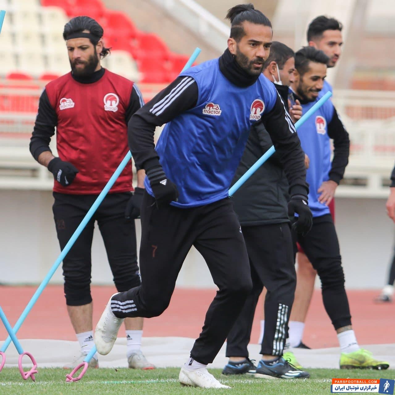 رسول خطیبی ، سرمربی تیم تراکتور امیدواری ویژه ای به درخشش کاپیتان تیمش، مسعود شجاعی در ترکیب تیم محبوب شهر تبریز دارد .