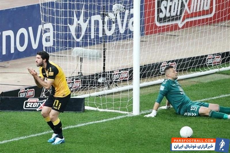 کریم انصاریفرد توانست پس از 8 بازی در هفته بیستوپنجم سوپرلیگ یونان 2 گل برای آاِک آتن برابر اسمیرنیس بزند و باعث پیروزی تیمش شد.
