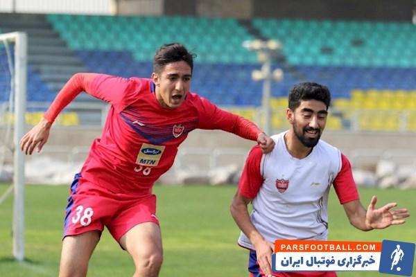 سید احسان حسینی ، مدافع جوان و ۲۲ ساله پرسپولیس از باشگاه شهر خودرو مشهد پیشنهاد دارد و احتمالا با قراردادی قرضی راهی این تیم خواهد شد.
