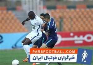 کارشنلسان داوری برنامه فوتبال برتر مدعی شدند که در نیمه اول دیدار تیم های پیکان و استقلال ، یک پنالتی به سود پیکان روی محمد امین درویشی گرفته نشد .