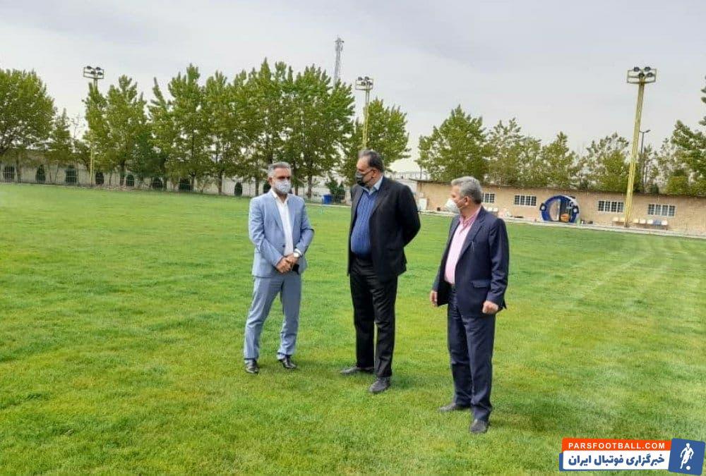 صبح امروز احمد مددی مدیرعامل استقلال به همراه ناصر فریادشیران مدیر آکادمی باشگاه از این زمین چمن بازدید کردند و شرایط خوبش را دیدند.