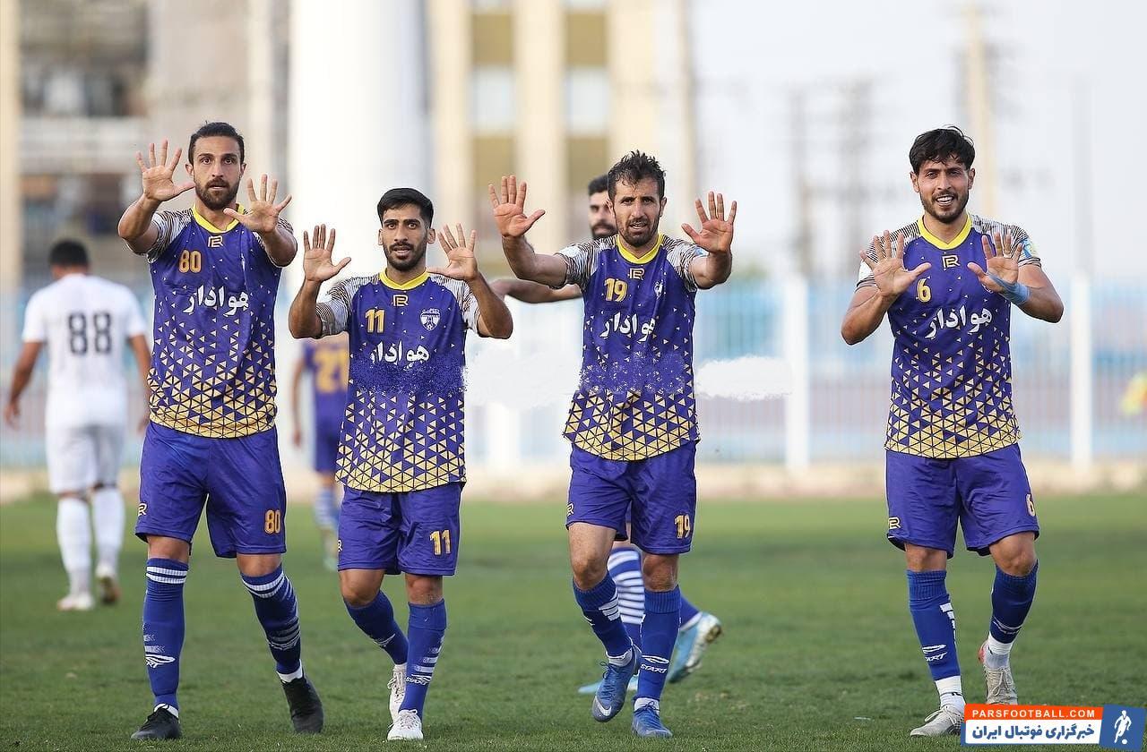 تیم فوتبال هوادار با پیروزی برابر استقلال ملاثانی در هفته نوزدهم لیگ یک به جمع مدعیان صعود به لیگ برتر اضافه شد.
