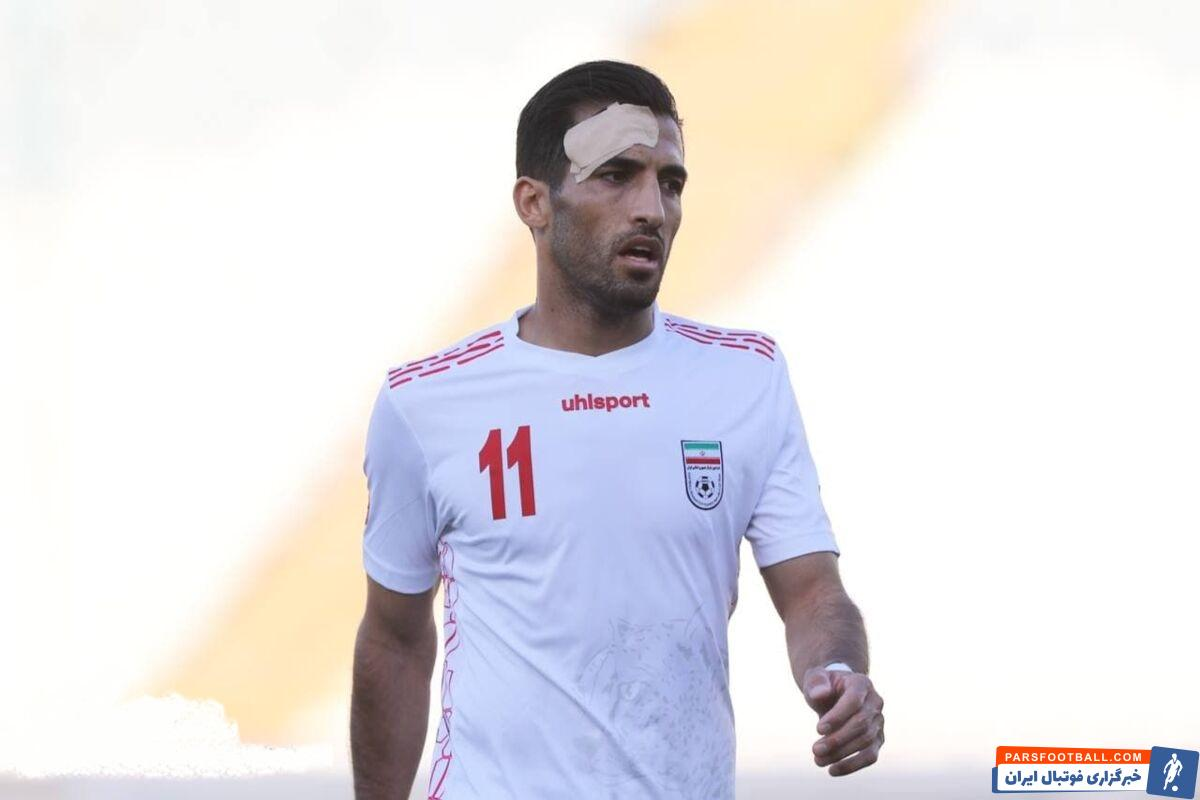 علی کریمی بازیکن تیم ملی ایران در تمرین روز قبل از مسابقه مقابل سوریه پس از برخورد با وحید امیری دچار آسیب دیدگی شدیدی شد.