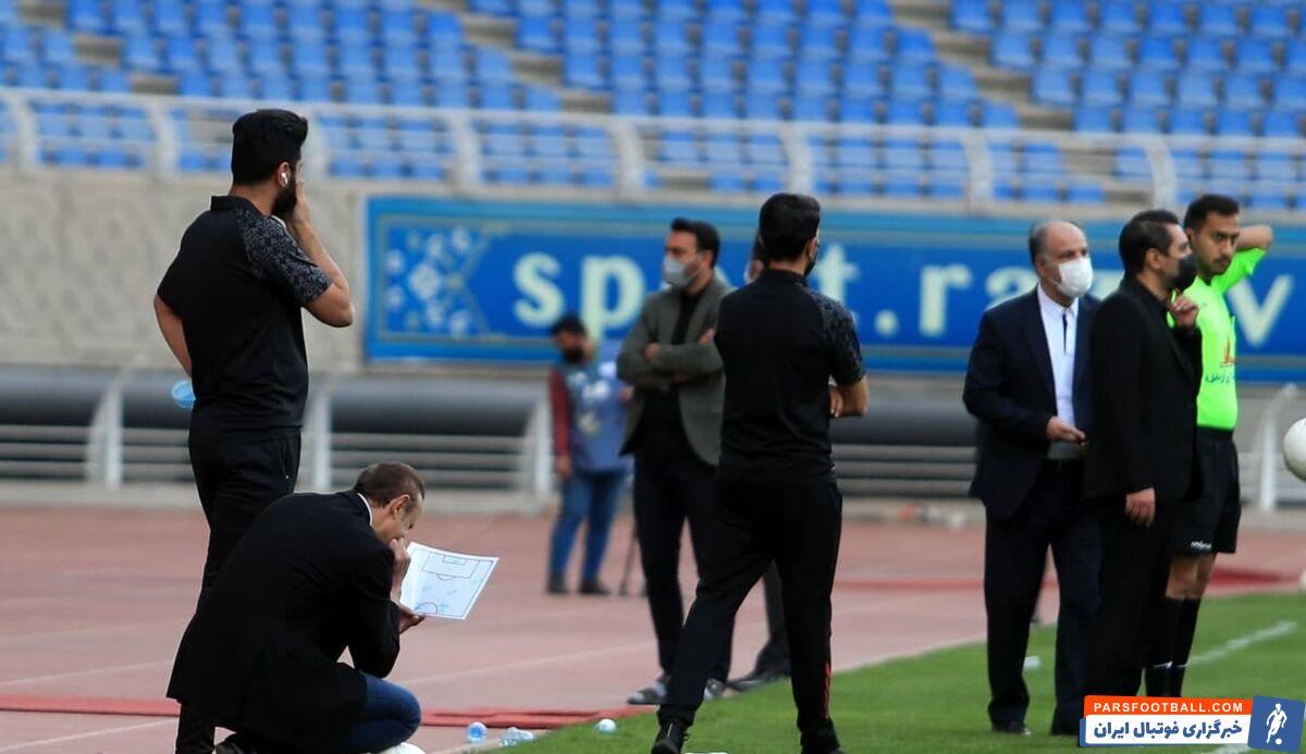 گلمحمدی سرمربی پرسپولیس از همه عناصر تهاجمی تیمش برای کسب سه امتیاز بیرون از خانه استفاده کرد اما در نهایت ناکام ماند.