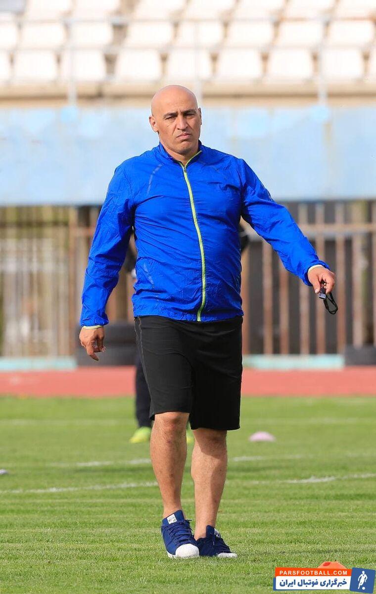 تمرین آلومینیوم با  منصوریان با حضور تعداد کمی از هواداران این تیم برگزار شد؛ اتفاقی که یک صحنه جالب برای علیرضا منصوریان به همراه داشت.