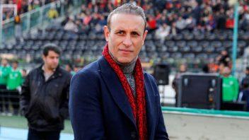 یحیی گل محمدی در گفتگو با شبکه ورزش گفت : اگر بازیکنان گل نمی زنند تقصیر من است و حتما من ایراد داشتم که نتوانستم با آن ها کار می کنم.