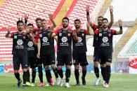 یحیی گل محمدی ، سرمربی پرسپولیس قصد دارد در دیدار با نساجی تغییراتی در ترکیب تیمش ایجاد کند و تیمش را هجومی تر به زمین بفرستد.