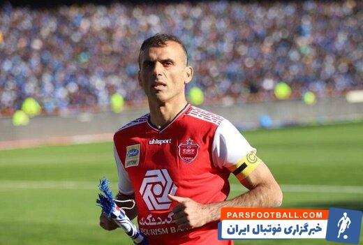 سیدجلال حسینی با گلی که در دیدار پرسپولیس و الوحده امارات به ثمر رساند ، به مسن ترین گلزن ایرانی لیگ قهرمانان آسیا تبدیل شد.