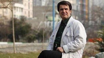 علیرضا علیفر ، گزارشگر محبوب صدا و سیما سال ها پیش به عنوان مربی در تیم انتظام مشغول به کار شده بود و تصویر او هم در روزنامه ها پخش شده بود.